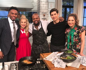 Pickler & Ben with Crab Cakes